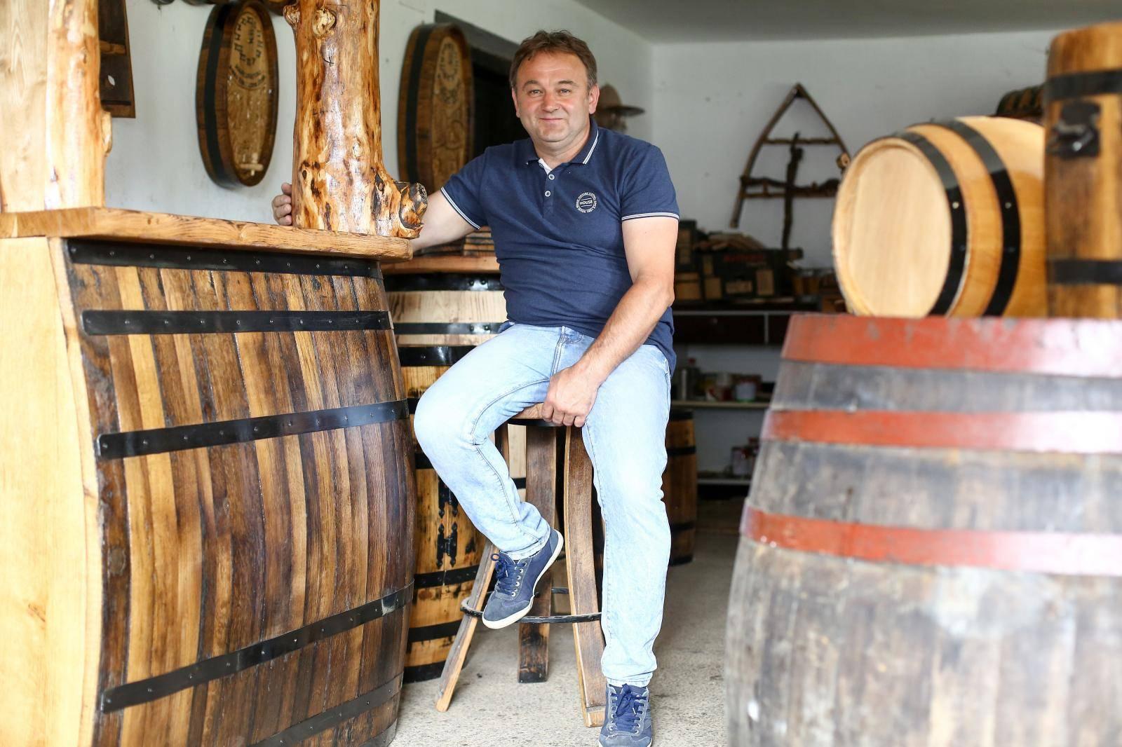Made in Zagorje: Stare bačve pretvara u šankove, sudopere...