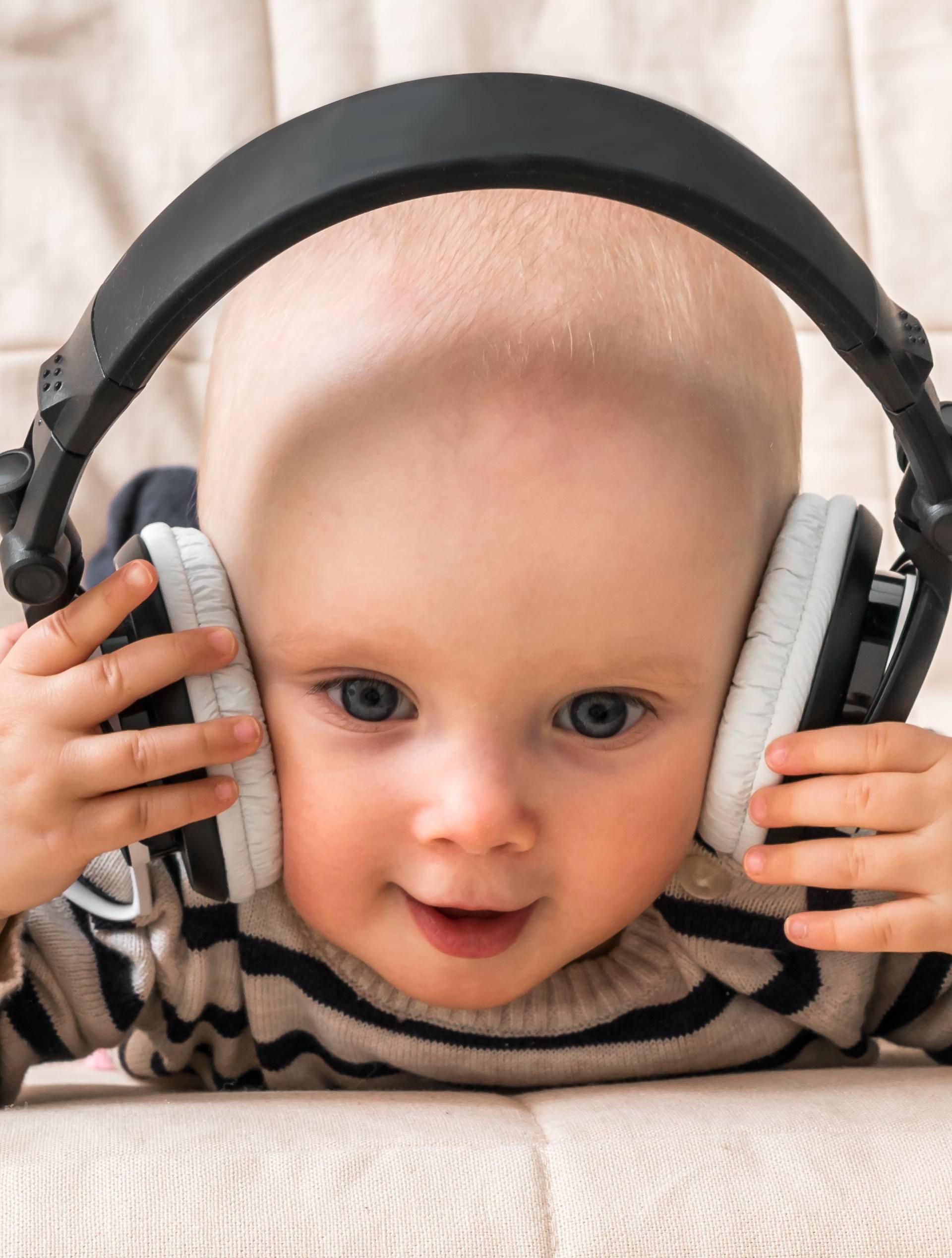 'Autizam se otkriva kod beba - posebnim testiranjem sluha'