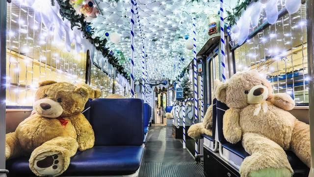 Osijek: Umjesto putnika u tramvaju se voze plišani medvjedići