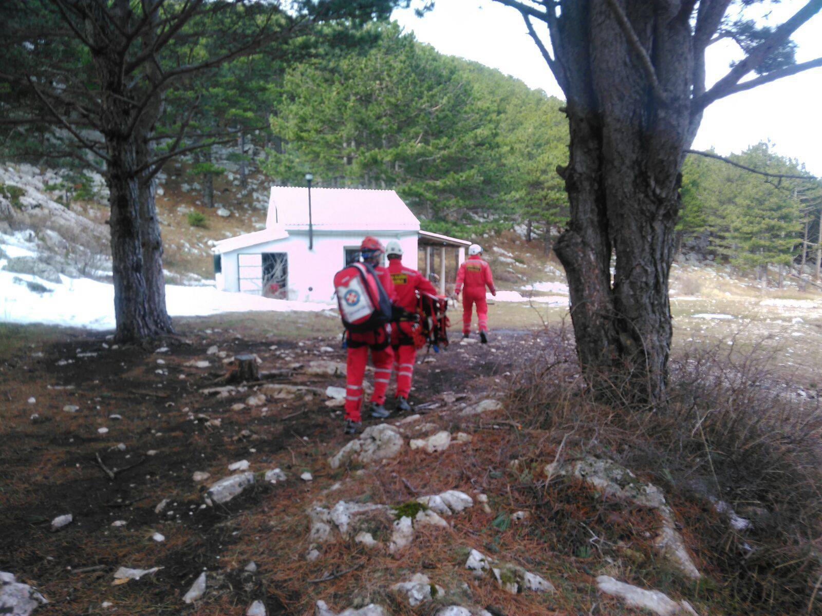 Pozlilo mu na 1200 metara: HGSS spasio planinara iz BiH