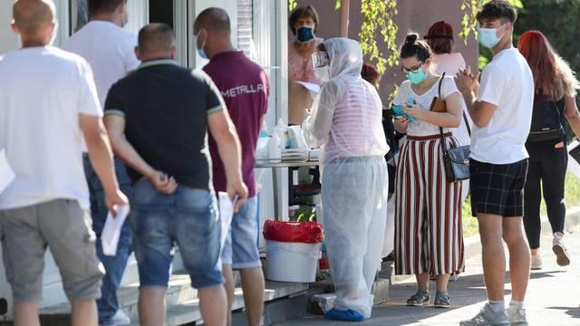 Zagreb: Kolona automobila stvorila se zbog povećanog broja testiranja osoba na koronavirus