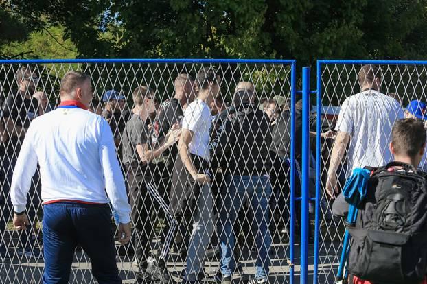 Županja: Sukob izmedju policije i navijača Hajduka na utakmici 1/16 finala Hrvatskog nogometnog kupa
