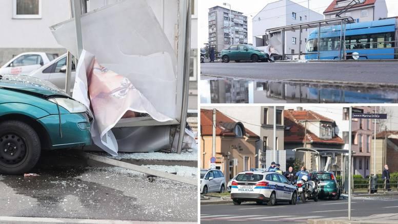 Autom se zabio u stanicu: 'Sreća da nitko nije stradao! Oštetio je tramvaj, razbio staklo, ogradu'