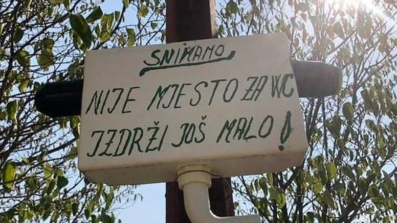 Ovo je znak na ulazu  u Vrgorac