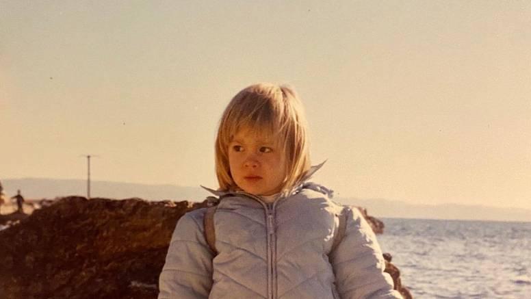 Albina je podijelila fotografiju iz djetinjstva: 'Slatka si kao med'