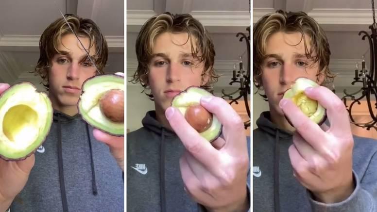 Pokazao kako izvaditi košticu iz avokada bez noža - sama ispada