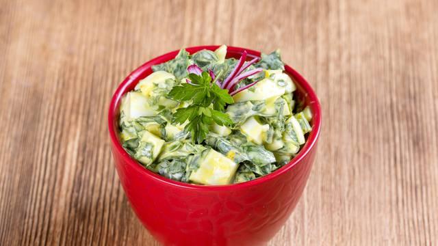 Fino i jednostavno: Salata od kupusa i kelja će vas oduševiti!