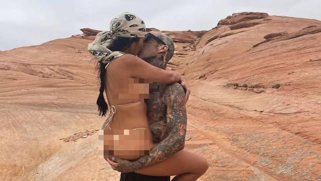 Kardashianka se ne odvaja od novog dečka, a bikini sve otkrio