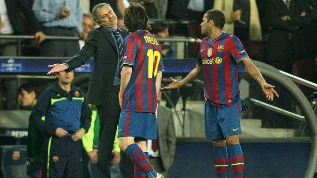 Soccer - UEFA Champions League - Semi Final - Second Leg - Barcelona v Inter Milan - Nou Camp
