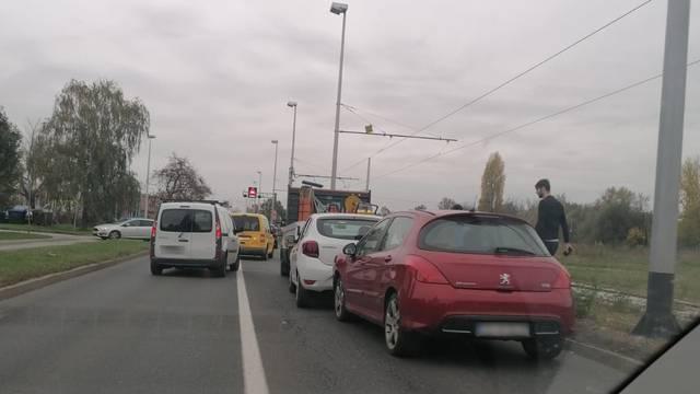 Sudarila se tri auta u Zagrebu