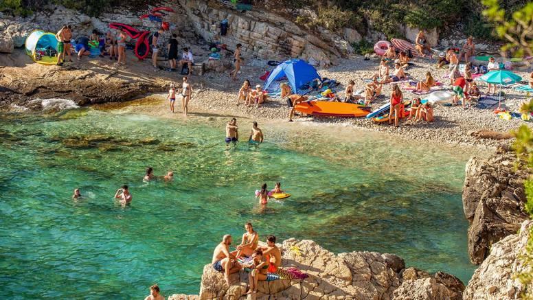 U Hrvatskoj trenutno boravi 1.055.000 turista: Najviše je Nijemaca i Slovenaca