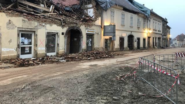 Sisak: Preko 30 tisuća oštećenih objekata prijavljeno u županiji