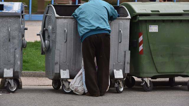 'Preko 500.000 umirovljenika živi ispod granice siromaštva'