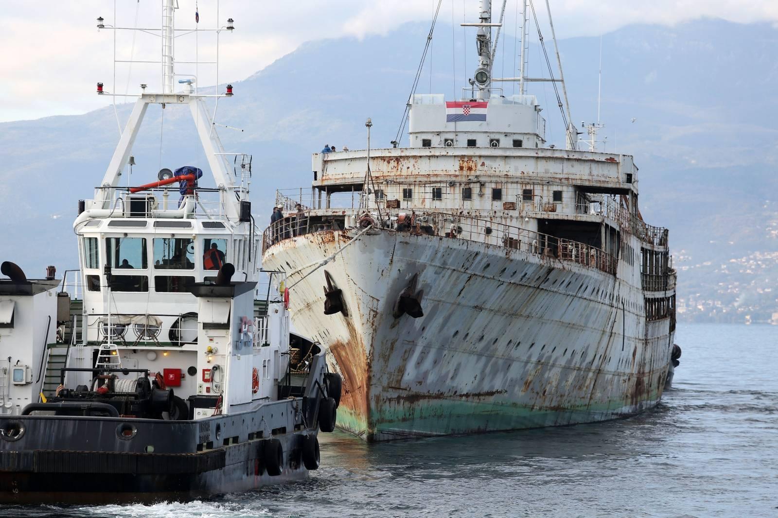 Rijeka: Galeb krenuo prema Kraljevici gdje će biti obnovljen i pretvoren u muzej