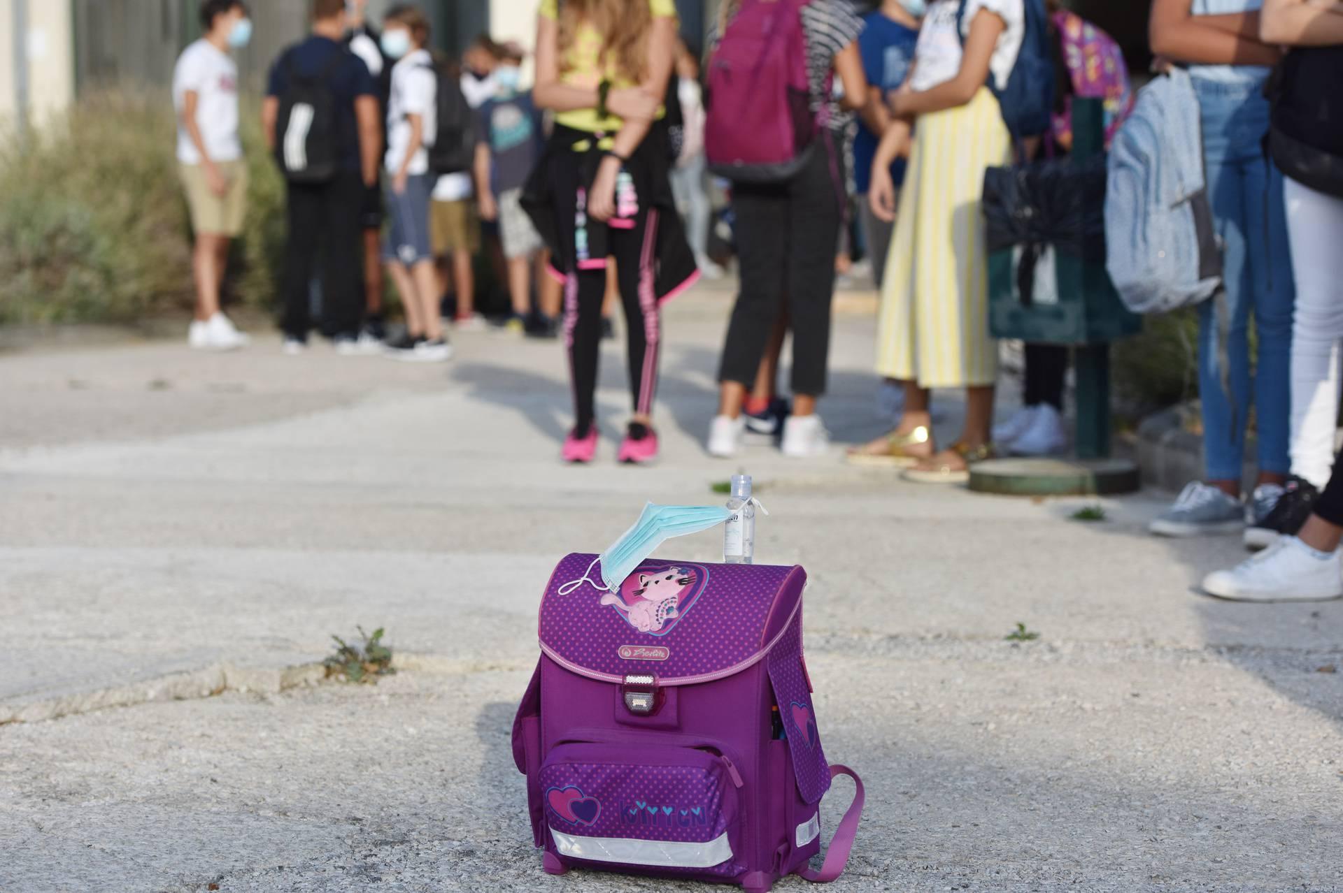 Šibenik: S mjerama zaštite od širenja koronavirusa započela nova školska godina