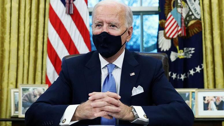 Biden traži: Svi savezni radnici trebaju se cijepiti protiv korone