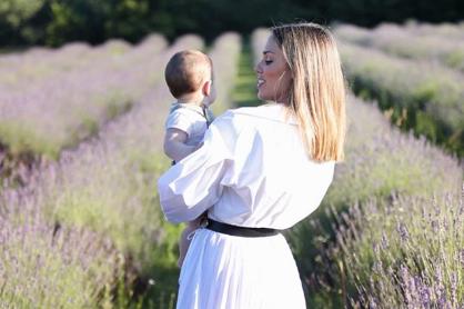 Batelić objavila fotografije sina povodom 'polurođendana'...