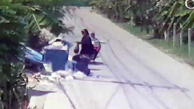 Majka ostavila novorođenče u kontejneru, snimila je kamera