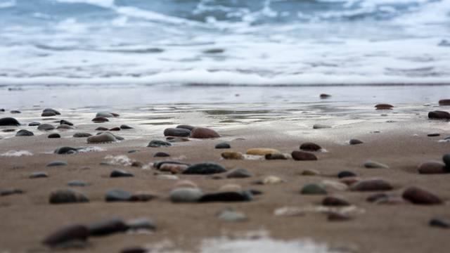 Kamenje na plaži