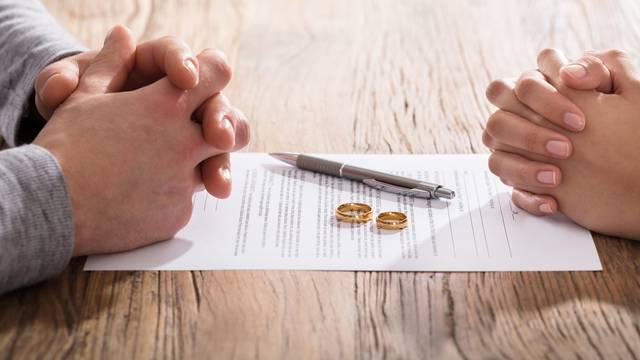 Najčešće greške koje ljudi rade u braku, a mogu voditi razvodu