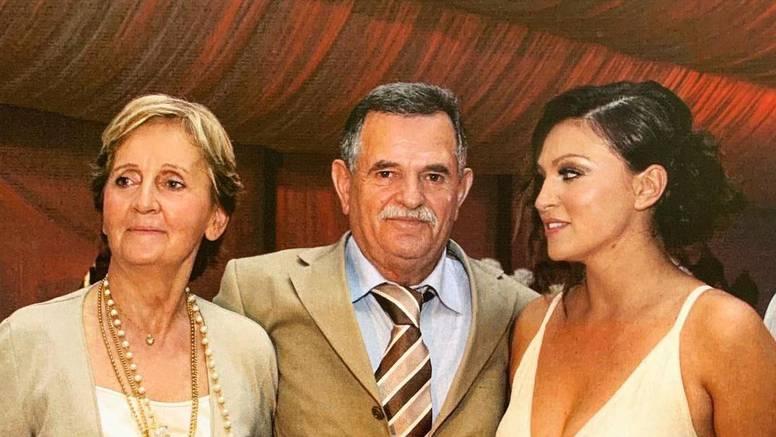 Badrić objavila fotku s majkom i ocem: Svaki dan u kojem nismo s njima je propušten trenutak...