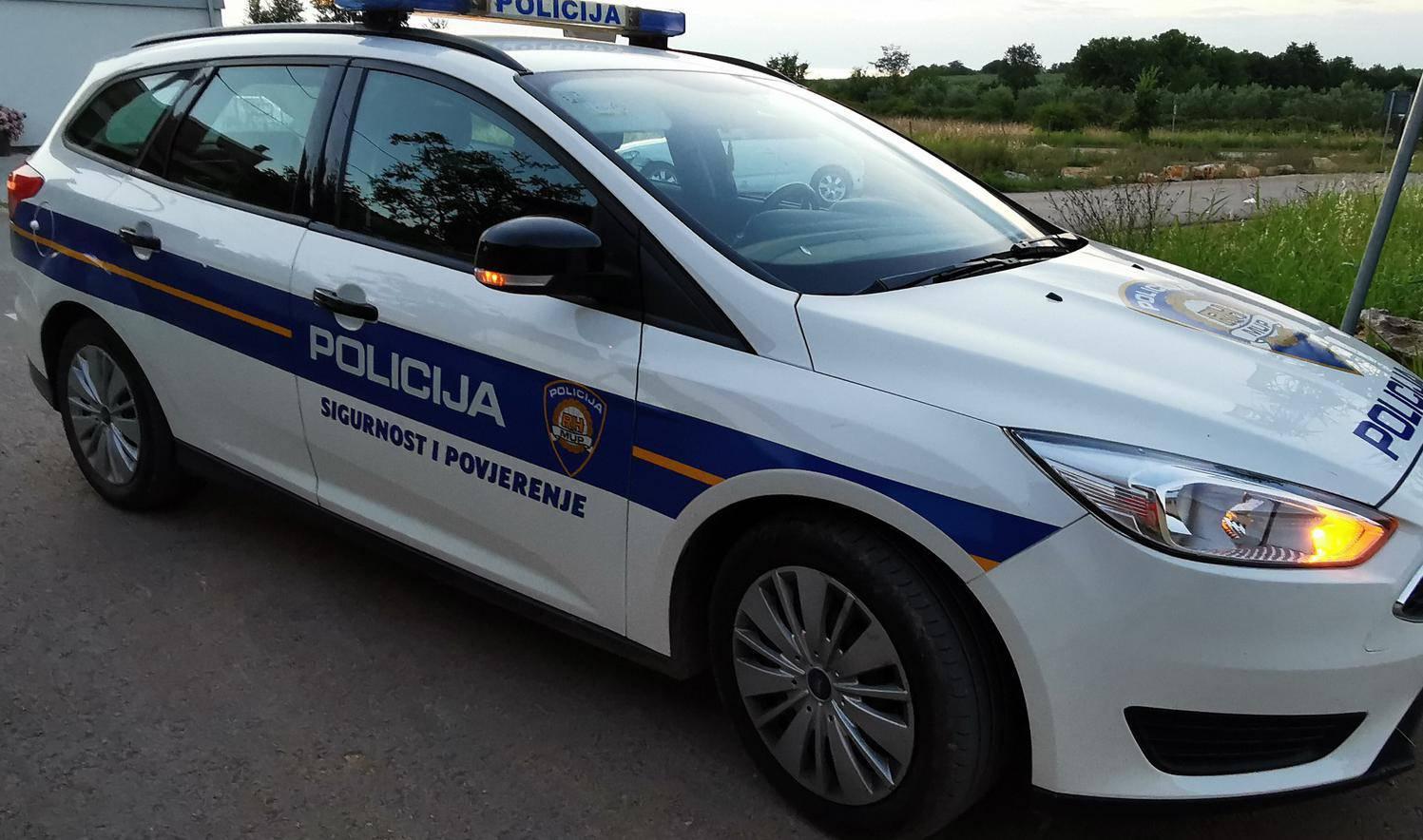 Policajac u Ogulinu slučajno je upucao drugog i teško ga ranio