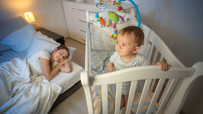 10 načina kako si olakšati život kad dođe beba: Ne sramite se tražiti pomoć obitelji i prijatelja