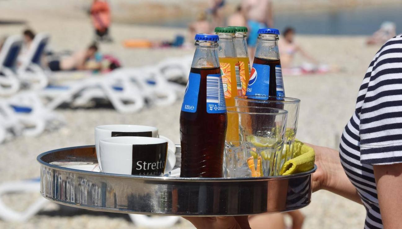 U Dubrovniku ima kave za osam kuna, ali isto tako i kole za 30...