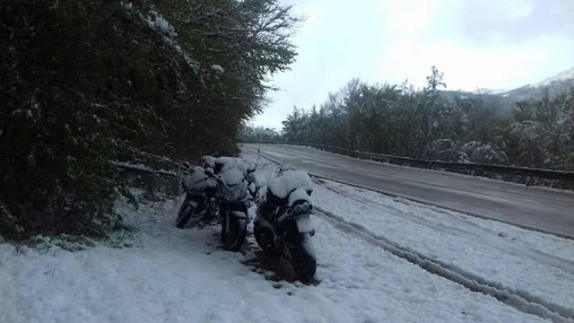 Vratila se zima: Na Zavižanu 40 cm snijega, pao i u Zagrebu