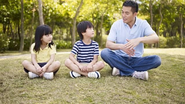 Japanski način discipliniranja djece: Razgovor nasamo je ključ