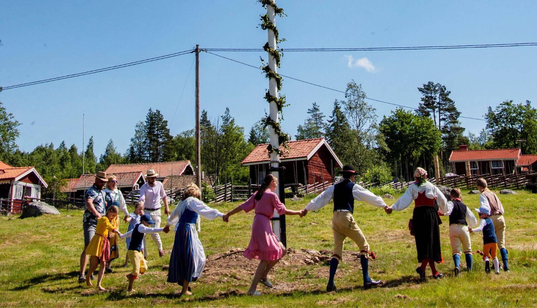 Midsummer u Švedskoj: Sve je u znaku cvijeća, rakije, prirode i ljubavi - slave ljetni solsticij