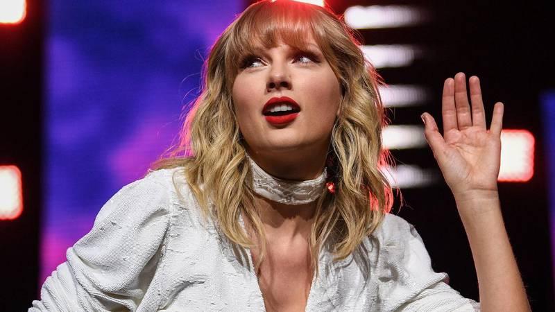 Taylor Swift naljutila šala na njezin račun u seriji: 'Seksizam! Ovo je vama smiješno u 2021.?'