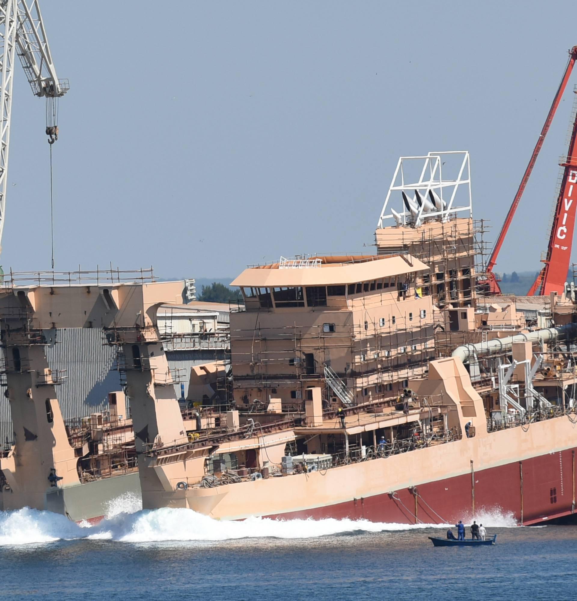 Jaružal od 152 metra: U more u Uljaniku porinuli su grdosiju