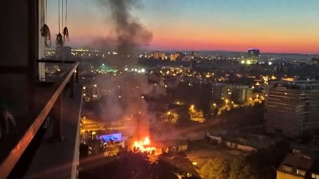 Požar na Trešnjevci: 'Izgorjele su barake, a vatru smo ugasili'
