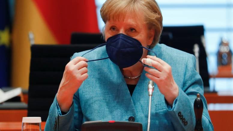Kancelarka Merkel: 'Izrael ima pravo na samoobranu, ali treba  razgovarati  i s Hamasom'