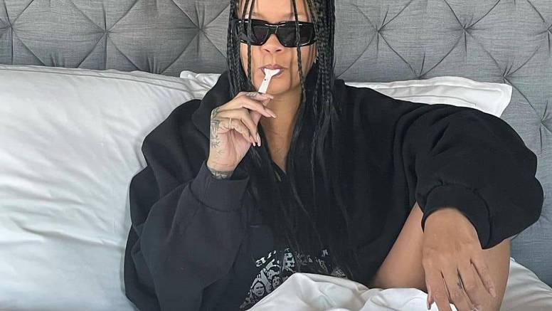 Rihanna se počastila kavijarom u krevetu nakon što se njezin parfem rasprodao u par sati