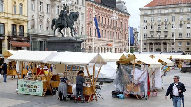 Počeo sajam 'Domaće je domaće u Zagrebu' - ima svega, od finih poslastica do ručnih radova