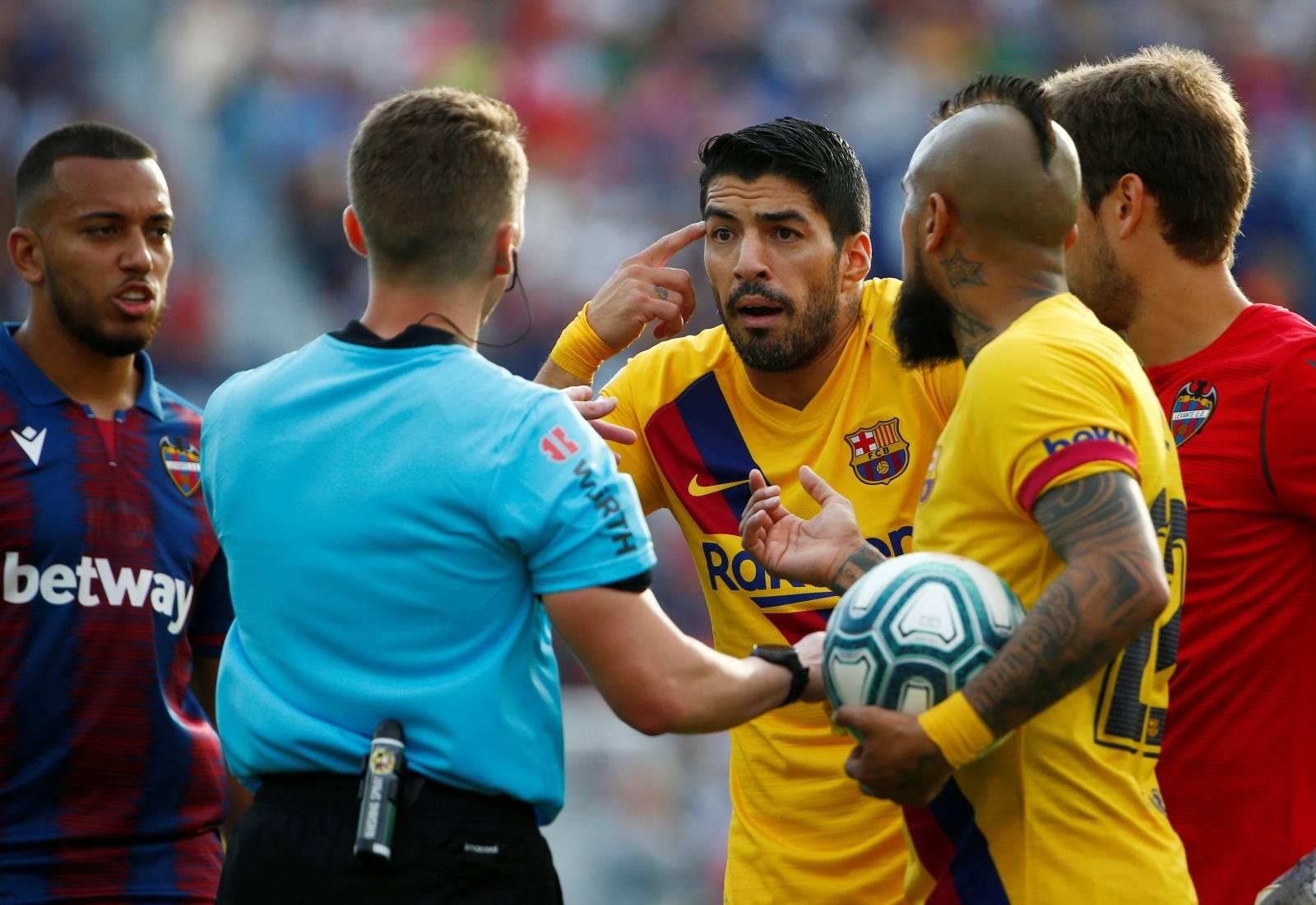 La Liga Santander - Levante v FC Barcelona