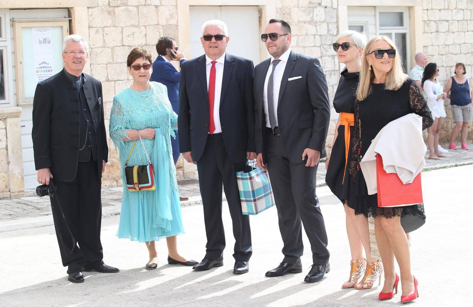 Vjenčanje Brune Sanader u hvarskoj katedrali
