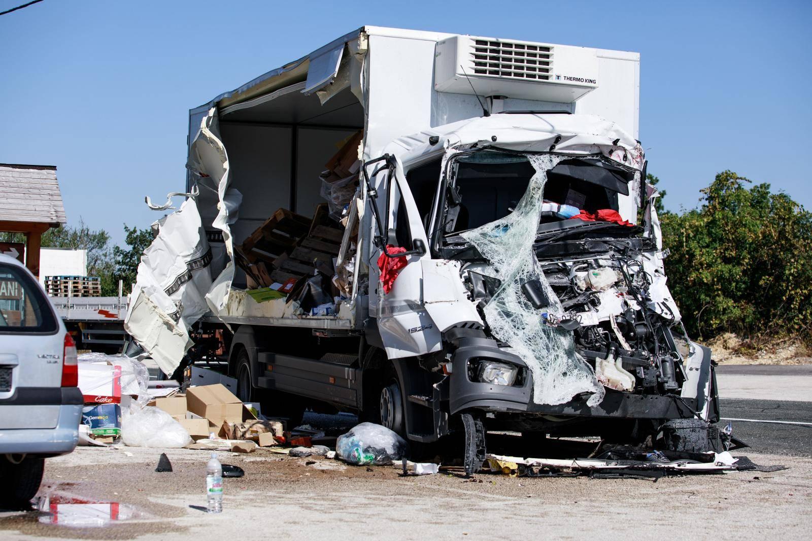 U prometnoj nesreći kod Trilja sudjelovala tri vozila