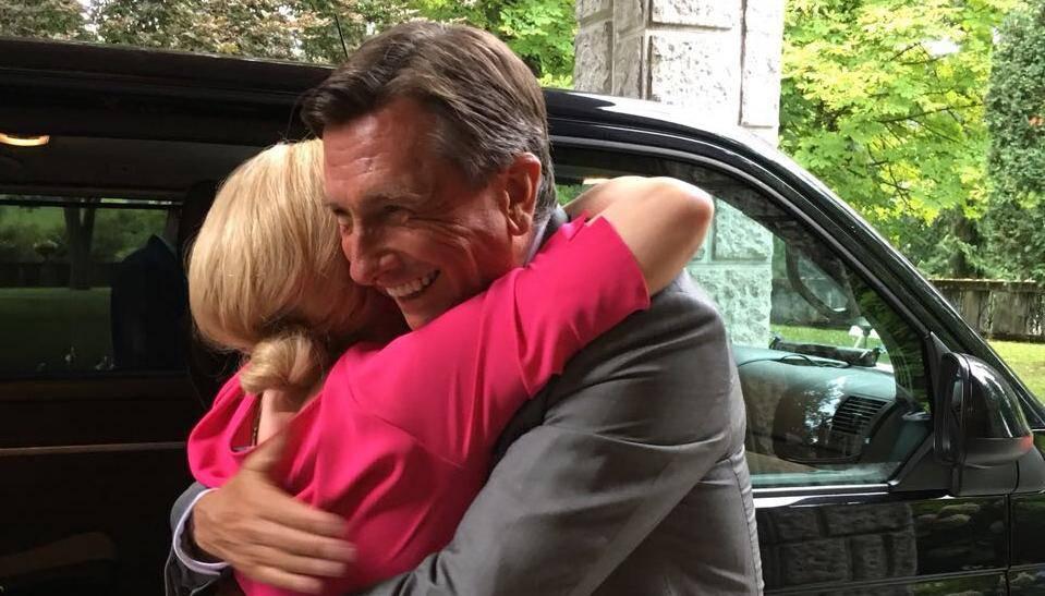 Srdačan susret u Sloveniji: Predsjednica zagrlila Pahora