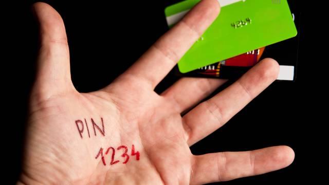 Stiže promjena: PIN zamjenjuje potpise i kod kreditnih kartica