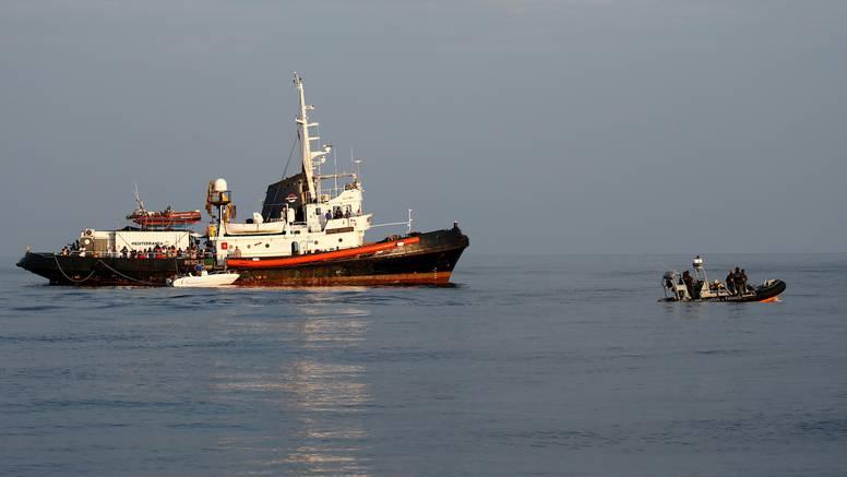 Više od 1000 migranata iskrcalo se na talijanski otok Lampedusu