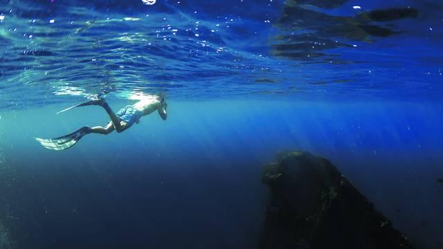 Otac nije izronio, sin (17) skočio za njim i riskirao život: 'To je 30 metara dubine, nije za amatere'