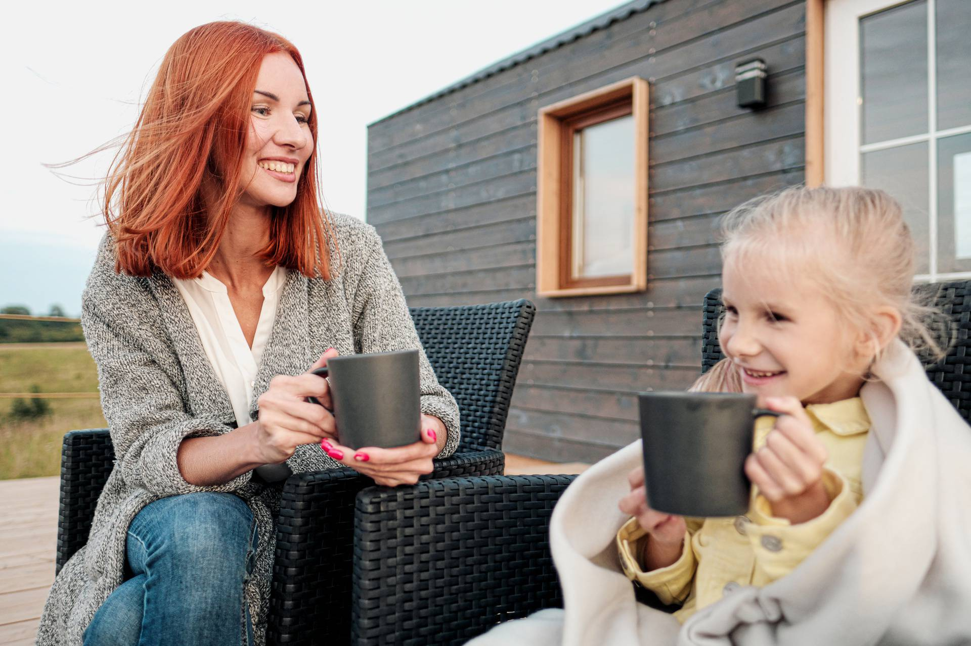Mamina škola: Domaćinstvo - kako mami napraviti kavu, a zemljopis - vrati sve na mjesto!