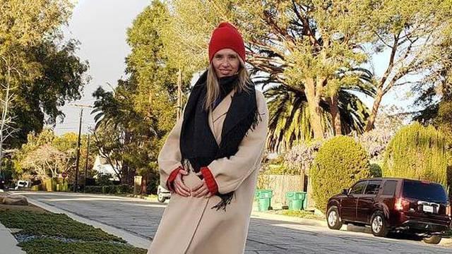 Leona Paraminski pokazala trudnički trbuščić: Lijepo ti stoji