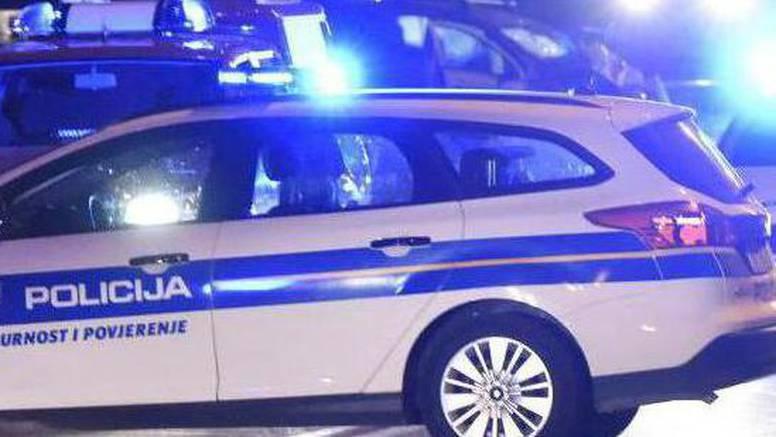 Izletio s ceste i zabio se u kolni prilaz, poginuo muškarac (29)