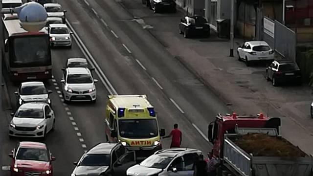 Sudarila se tri vozila, jedan je ozlijeđen: 'Skoro su se potukli'