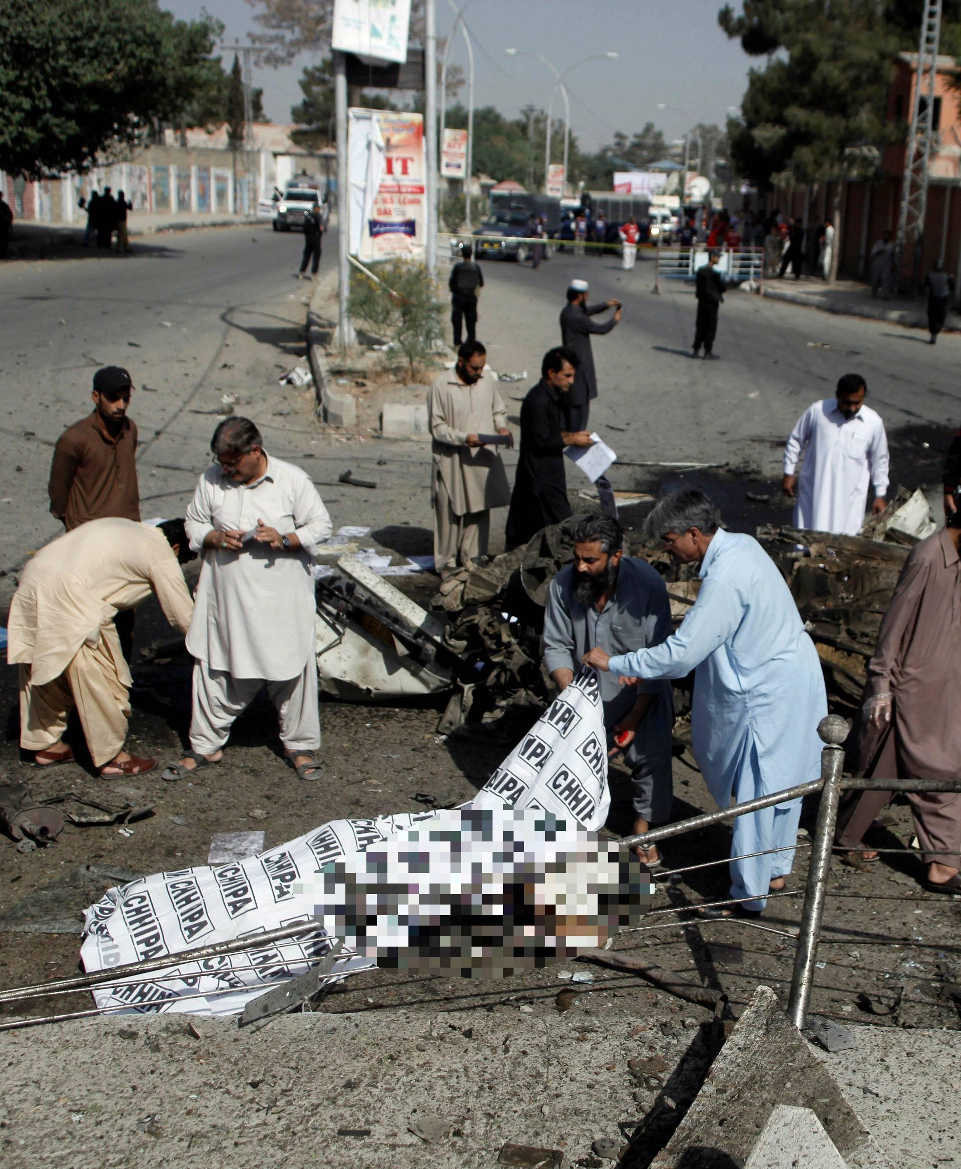 Jedanaest mrtvih u eksploziji automobila bombe u Pakistanu