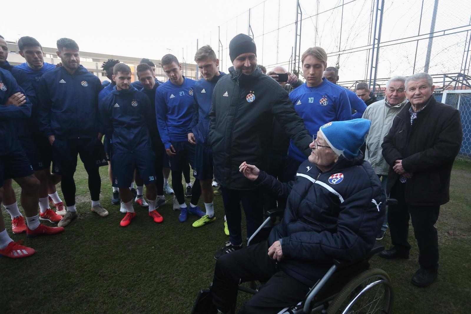 Zagreb: Nogometne legende posjetile igrače GNK Dinamo